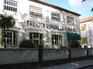 800px-bordallo_pinheiro_factory