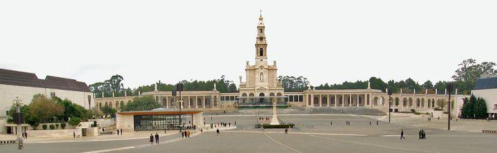 1000px-Basilica_Fatima