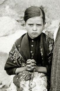 Jacinta-marto-fatima-portugal-1917.jpg